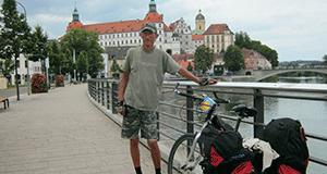 Тернополянин не захотів жити в Європі, бо там не смачна шинка та ковбаса і немає кільки та бичків