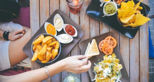Як перестати переїдати за вечерею?